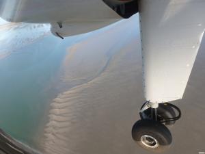 Fünf Minuten vom Start bis zur Landung: Die Inselflieger bieten auf der Strecke Harle-Wangerooge eine der kürzesten Linienflüge der Welt. Foto: Helmut Burlager