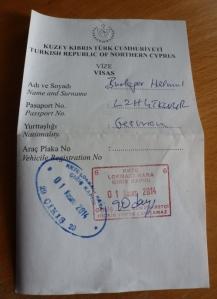 Passierschein für den Übertritt vom griechischen in den türkischen Teil der geteilten zyprischen Hauptstadt Nikosia. Foto: Helmut Burlager