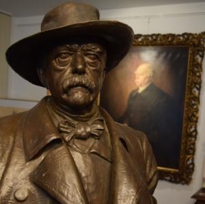 """""""Bismarck wird von uns als Mann in seiner Zeit gesehen"""", sagen die Getreuen. Von Hurra-Patriotismus sind sie heute weit entfernt. Bismarck-Büste im Bismarck-Museum in Jever. Foto: Helmut Burlager"""