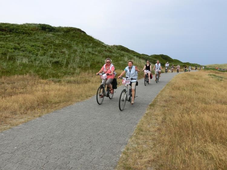 Ein Inseltag gehört während der E-Bike-Tour von Radio 21 auch wieder dazu. Foto: www.ostfriesland.de