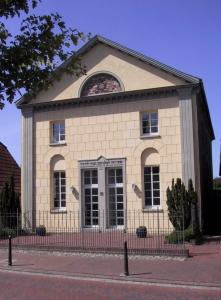 Die ehemalige Synagoge in Neustadtgödens ist jetzt ein Erinnerungsort.  Foto: Landkreis Friesland